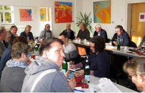 Diskussion über die Zukunft der Erwerbslosenberatungsstellen und Arbeitslosenzentren.